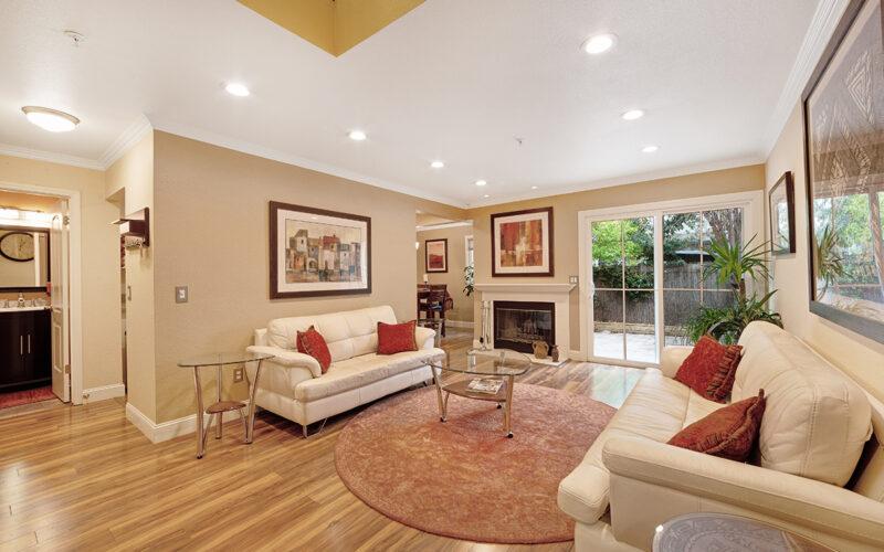 21 Meridian Circle, Rohnert Park living room