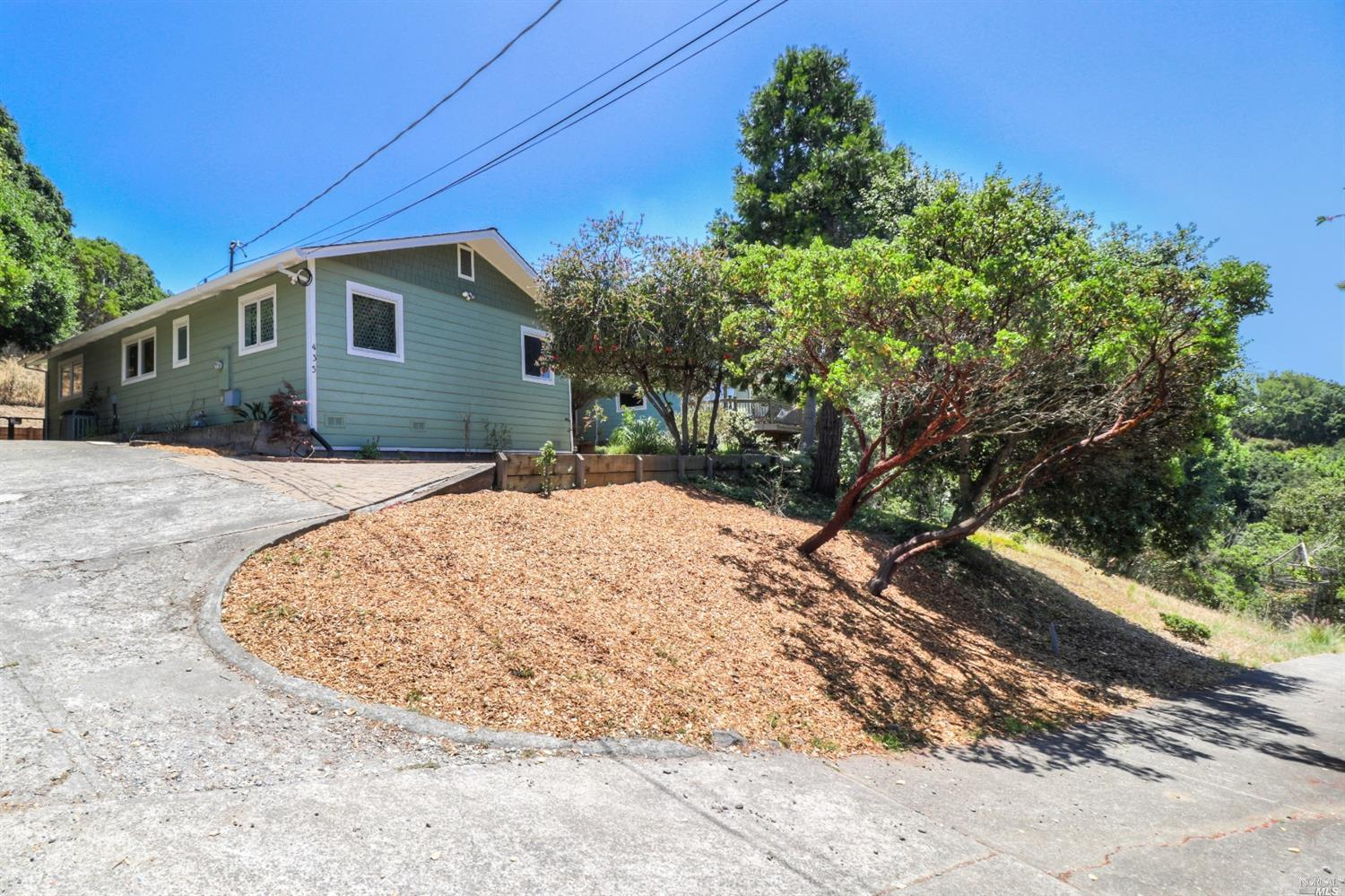 435 School Road, Novato