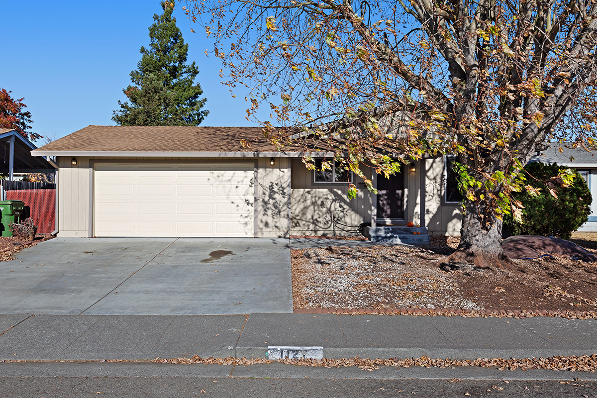 1127 Santa Barbara Way, Petaluma